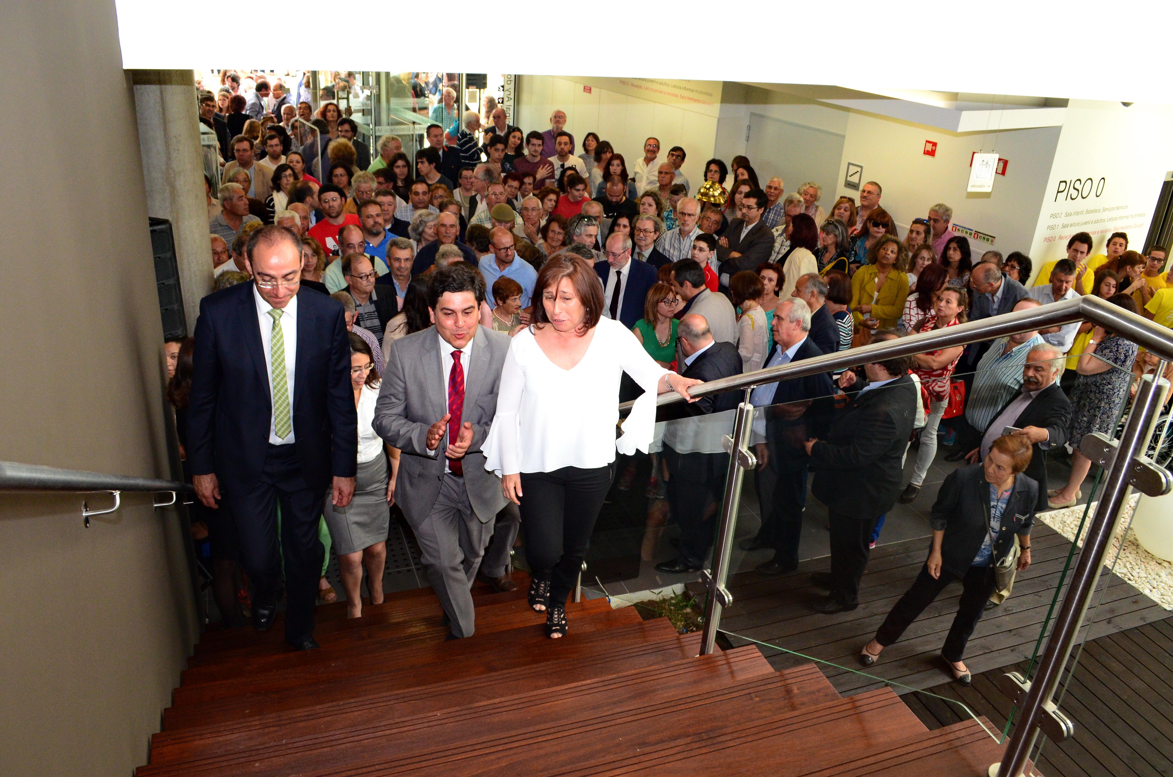 Biblioteca Ary dos Santos abriu portas